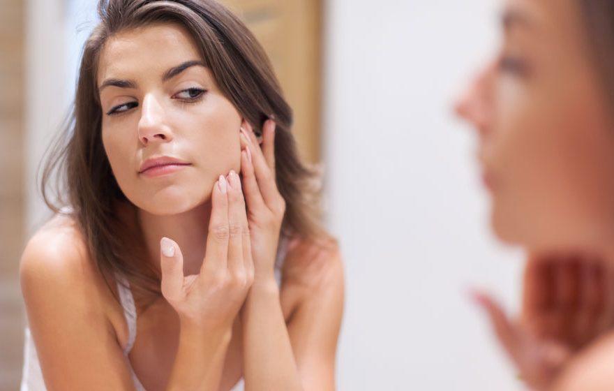 5 cele mai comune erori care duc la aparitia acneei
